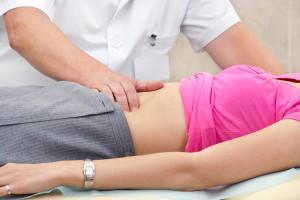 Как нормализовать работу кишечника при запорах?