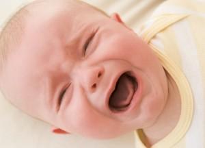 У ребенка болит животик